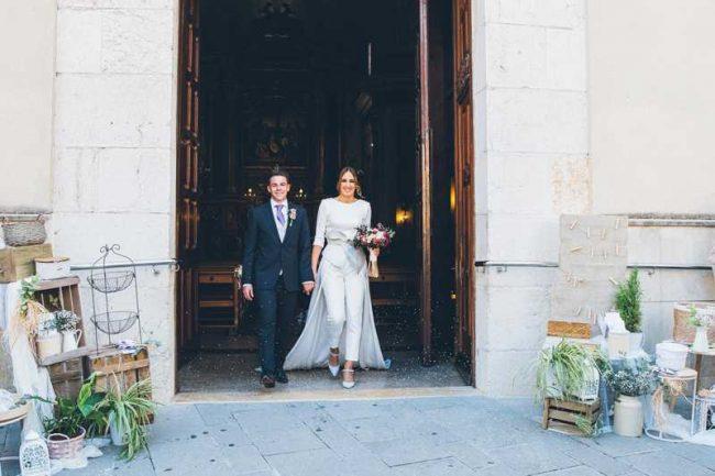 Vestido de novia con pantalón en atelier en valencia